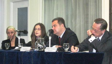 Serbia lucha contra el crimen organizado y el for Ministerio de relaciones interiores